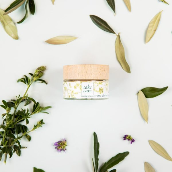 crema mani viso anti age erba medica olio d'oliva